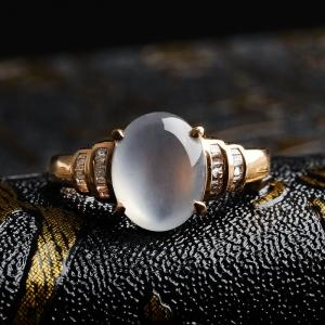 18K金镶钻高冰种翡翠戒指