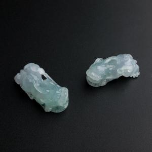 冰糯種藍底翡翠貔貅吊墜一對