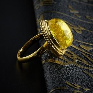 银镶花珀戒指