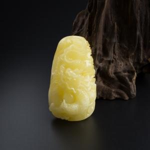 柠檬黄蜜蜡盘龙吊坠