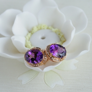 18K金镶钻紫水晶耳钉