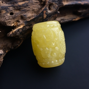满蜜蜜蜡龙纹桶珠