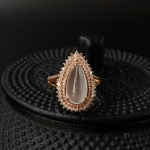 18K金鑲鉆玻璃種翡翠戒指