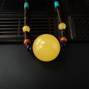 鸡油黄蜜蜡圆珠项链