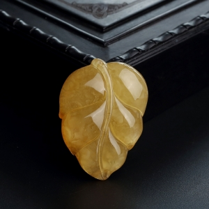 鸡油黄蜜蜡叶子吊坠