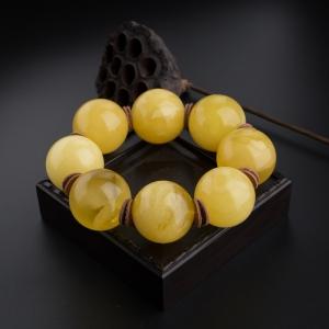 32.5mm鸡油黄蜜蜡圆珠手持