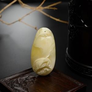 白蜜仙鹤吊坠