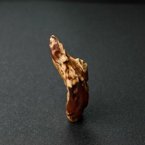 白蜜蜜蜡原石