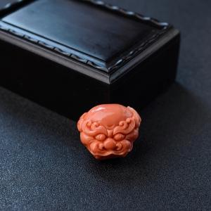 MOMO粉红珊瑚兽头吊坠