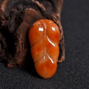 豆种红翡翡翠金枝玉叶吊坠