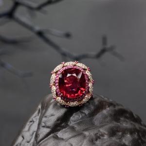 18K金鑲鉆盧比萊色碧璽戒指