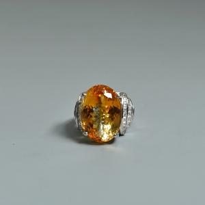 银镶锆石黄水晶戒指