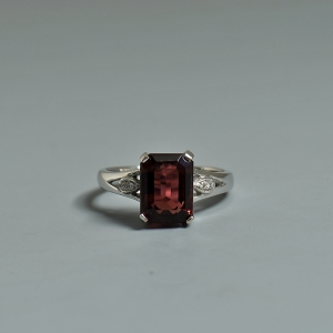 18K鑲鉆碧璽戒指