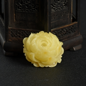 檸檬黃蜜蠟花開富貴吊墜