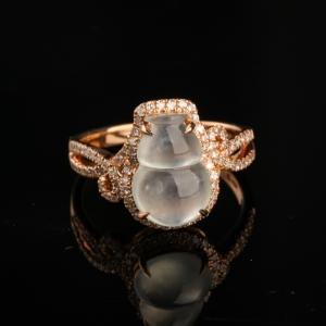 18K金镶钻冰种翡翠葫芦戒指