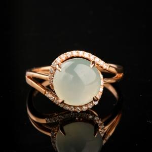 18K金镶钻糯冰种翡翠戒指