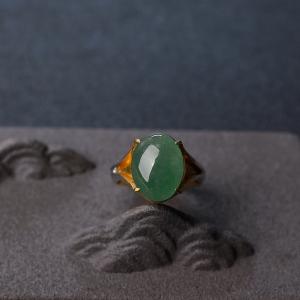 糯冰种阳绿翡翠戒面