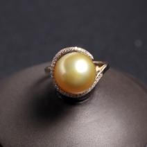 18k金镶钻金色珍珠戒指