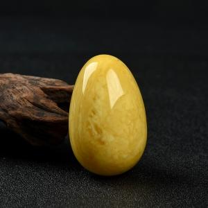 鸡油黄蜜蜡鸡蛋摆件