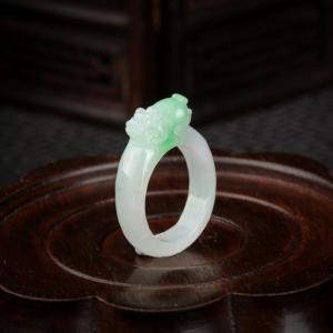 糯种飘翠翡翠貔貅戒指