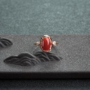 18K金鑲鉆阿卡朱紅珊瑚戒指