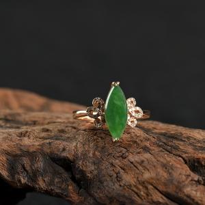 18K糯冰種暗綠翡翠隨形戒指