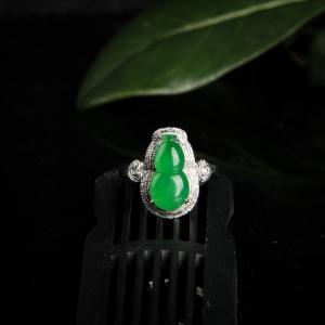 18k糯冰種翠綠翡翠葫蘆戒指