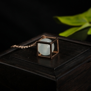 18k糯冰种无色翡翠圆珠项链