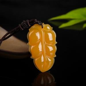 山料鸡油黄黄龙玉金枝玉叶吊坠
