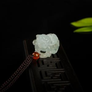 糯種飄花翡翠貔貅吊墜