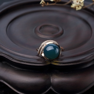18K金鑲鉆天空藍多米藍珀戒指