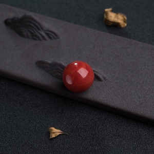 18mm阿卡正红珊瑚圆珠