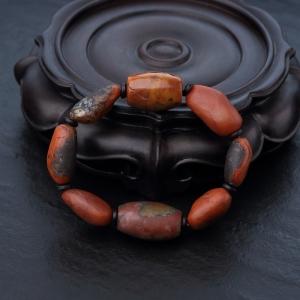 铁皮包浆料南红随形手串