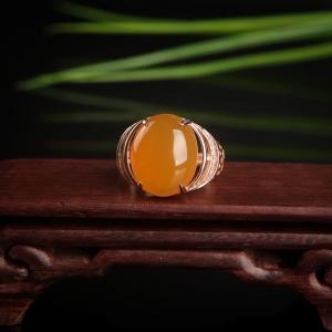 銀鑲山料雞油黃黃龍玉戒指