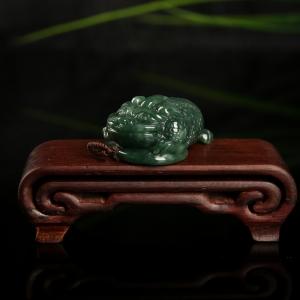 糯种深绿翡翠招财进宝吊坠
