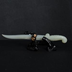 籽料和田白玉匕首