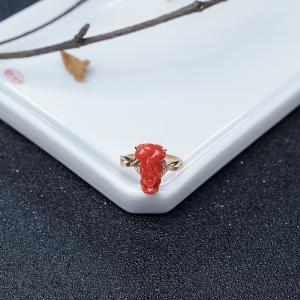 18K金鑲鉆阿卡朱紅珊瑚貔貅戒指
