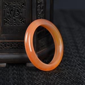 55.5mm俏色黄龙玉手镯