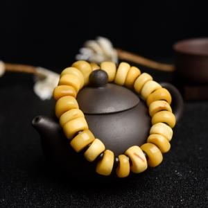 雞油黃老蜜蠟隨形單圈手串