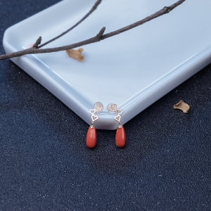 18K金鑲鉆MOMO橘紅珊瑚耳墜