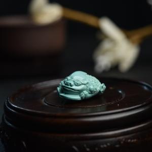 高瓷蓝绿绿松石三脚金蟾吊坠