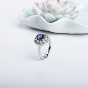 18K皇家藍藍寶石刻面戒指