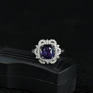 18K紫色蓝宝石刻面戒指