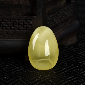 淺黃金絞蜜蛋形吊墜