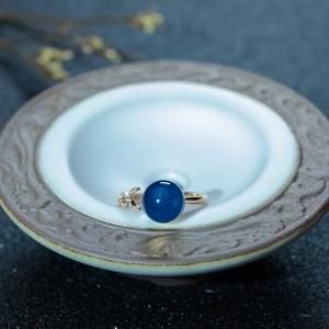 18K金镶钻多米蓝珀戒指