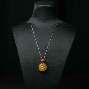 18K金镶鸡油黄蜜蜡平安扣项链