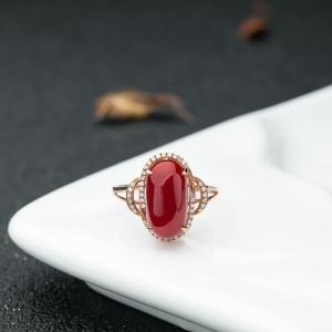 18K金鑲鉆阿卡珊瑚戒指