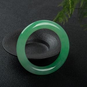 57.5mm糯冰种阳绿翡翠圆镯
