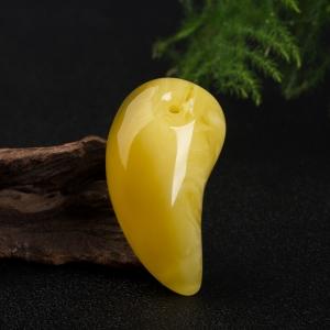 雞油黃蜜蠟隨形吊墜
