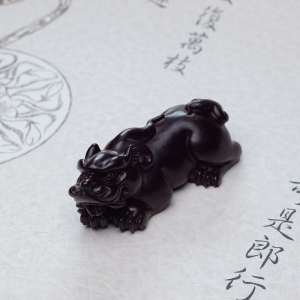 小叶紫檀貔貅摆件